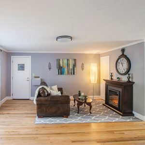 Brooksyde Apartments For Rent in West Hartford, CT Livingroom